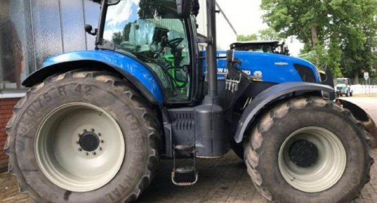 New Holland AC T7.220